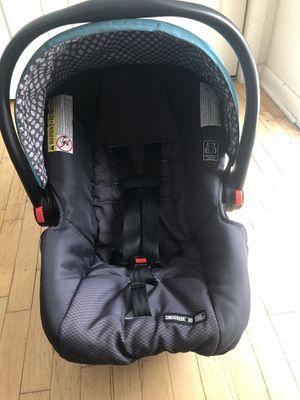 Graco car seat snugride 30 for Sale in Williamston, MI