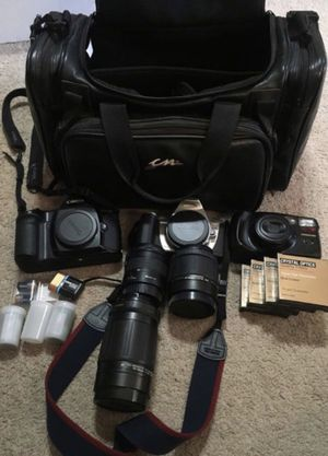 Camera bag with Vintage Film cameras for Sale in New Kent, VA