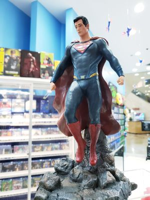 Superman Collectible Statue for Sale in Torrance, CA