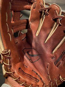 Left Hand Baseball Glove for Sale in Houston,  TX