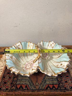 Adorno centro mesa porcelana fileteado con asa antigua mide 13 plg for Sale in Hialeah, FL