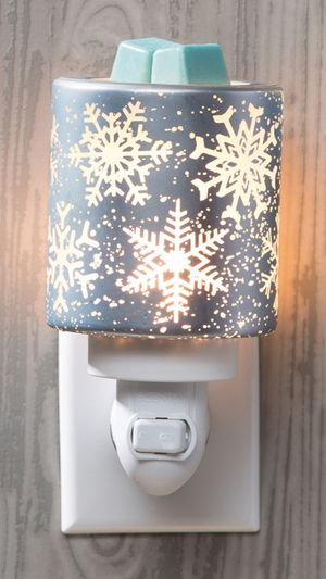 Scentsy Falling Snowflakes plugin warmer for Sale in Virginia Beach, VA