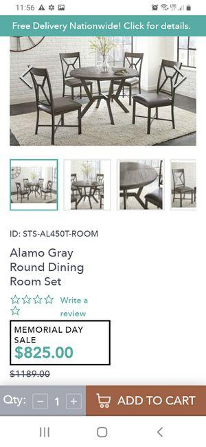 Comedor de 4 sillas nuevo for Sale in Parlier, CA