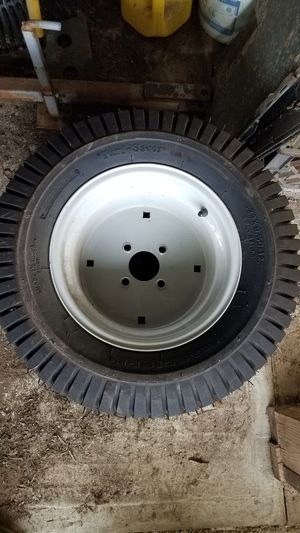 riding mower tires/ wheels for Sale in Jamul, CA
