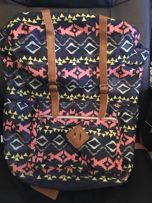 Large Floral Girls Backpack (Laptop sleeve included) for Sale in Oak Creek, WI