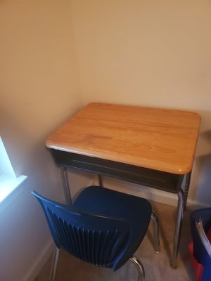 Kids chair & desk for Sale in Gahanna, OH