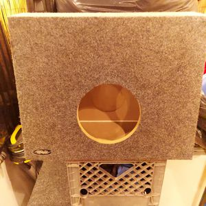 """8"""" Subwoofer Box for Sale in San Diego, CA"""