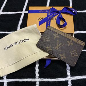 Louis Vuitton Reverse Card Holder for Sale in Corinth, TX