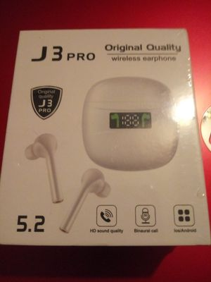 Ear buds for Sale in Suitland, MD