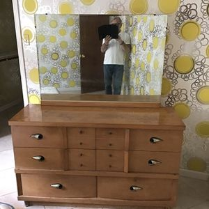 Vintage(70's) Dresser With Mirror for Sale in Houston, TX