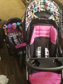 Baby Trend car seat and stroller travel system for Sale in Dublin,  GA