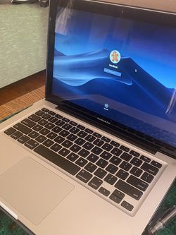 macbook pro 2011 for Sale in City of Industry,  CA
