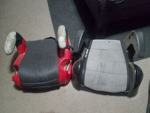 2 booster seats for Sale in Huron, CA