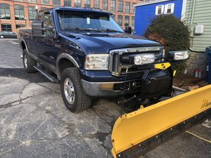 2005 Ford F-350 lariat for Sale in Lawrence, MA