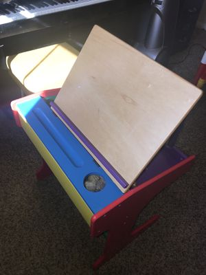 Multi Colored Crayola Style Toddler Kids School Desk w Matching Chair. for Sale in Las Vegas, NV
