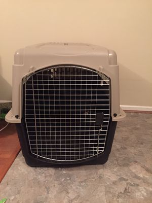 Large Dog Crate $75 Regular $150 or more. Accommodated 50-75lb dog. for Sale in Lexington, KY