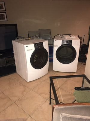 Kenmore washer and gas dryer like new for Sale in Accokeek, MD