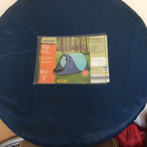 Pop Up Tent (2 Person) for Sale in Bakersfield, CA