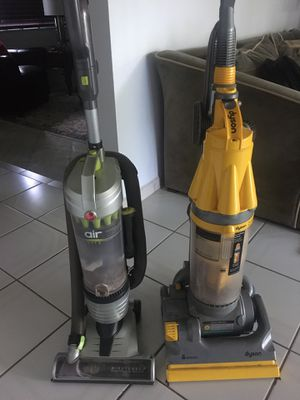 Two Vacuums - DYSON and Hoover for Sale in Miami, FL