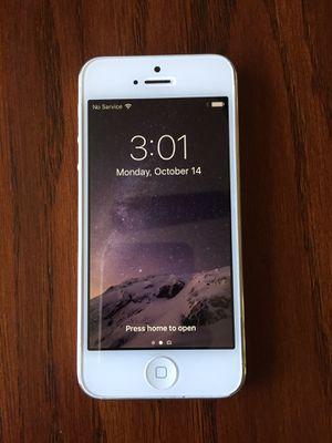 iPhone 5 for Sale in Hesperia, CA