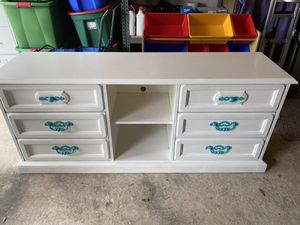 White dresser for Sale in League City, TX