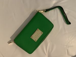 """Michael Kors wristlet in """"like new"""" condition for Sale in Denver, CO"""