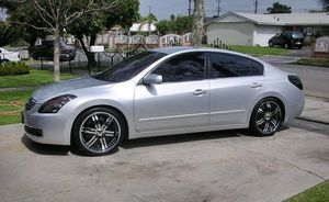 2008 Nissan Altima price $1000 for Sale in Saint Paul, MN