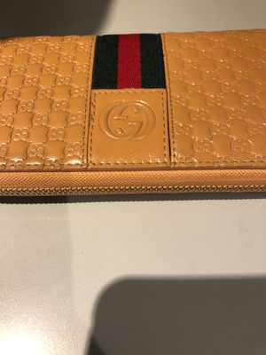 Woman's Gucci wallet for Sale in Washington, DC