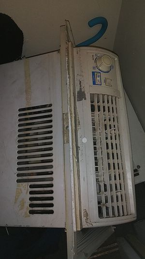 Window AC 5050 BTU for Sale in West Springfield, MA