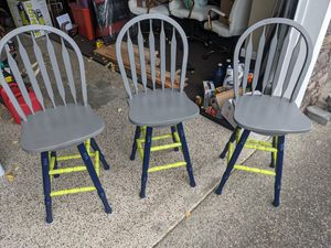 3 wooden bar stools for Sale in Puyallup, WA