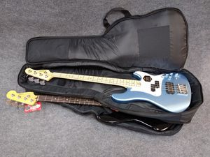 """Deluxe bass guitar """"double"""" gig bag for Sale in Phoenix, AZ"""