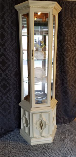 Lighted curio cabinet for Sale in Holly Springs, NC