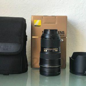 Nikon 24-70 2.8 lens for Sale in Boynton Beach, FL