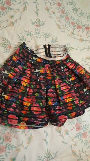 GIRLS 10/12 FLORAL SKIRT! ADORABLE! for Sale in Las Vegas, NV