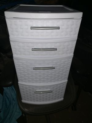 Sterlite plastic 4 drawer cabinet for Sale in Alhambra, CA