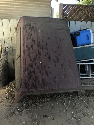 Truck shell/camper for Sale in Fresno, CA