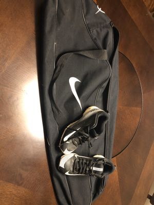 Nike baseball bat bag and Nike cleats for Sale in FL, US