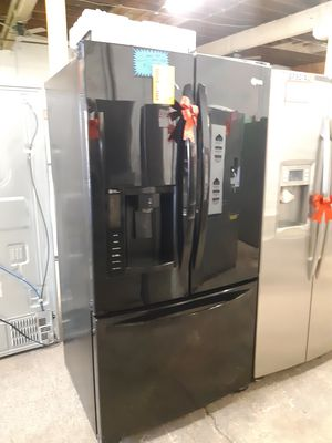 LG BLACK FRENCH DOORS FRIDGE WORKING PERFECTLY 4 MONTHS WARRANTY DELIVERY AVAILABLE SAME DAY for Sale in Baltimore, MD