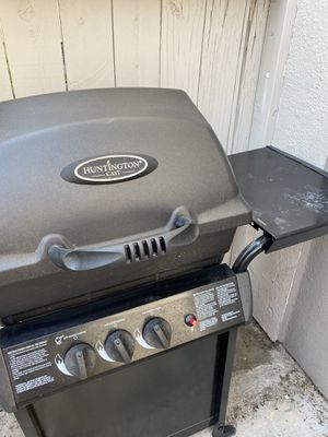 BBQ grill for Sale in Fountain Valley, CA