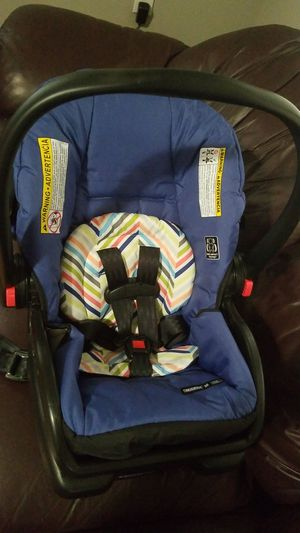 Graco Snugride 30 car seat for Sale in Tampa, FL