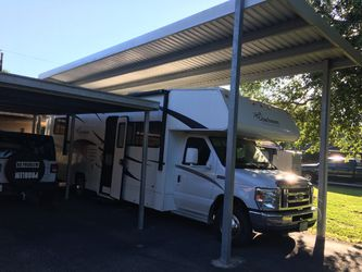 2011, 30ft motorhome. With one slide out. Very good condition, $28,000. for Sale in OLD RVR-WNFRE,  TX
