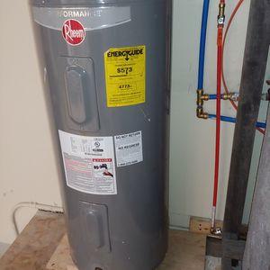 Electric Water Heater 40 Gal. for Sale in La Habra, CA