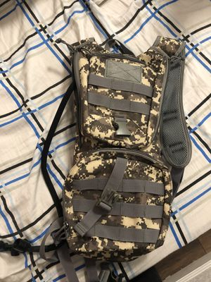 Camo hydration backpack for Sale in Hayward, CA