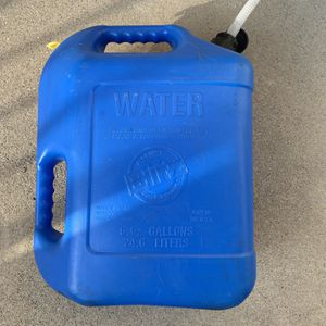 Water 6 1/2 gallons 24/6 liters Good Conditions for Sale in Redlands, CA
