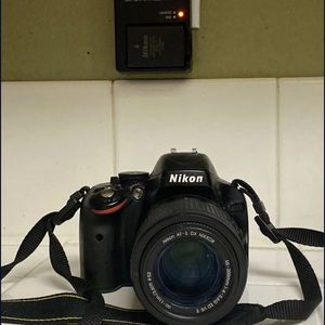 Nikon D5100 for Sale in Fontana, CA