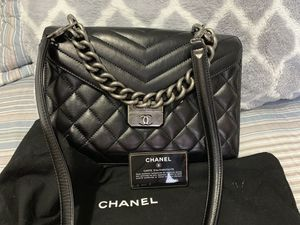 Chanel bag!!!!! Authentic for Sale in Bridgeport, CT