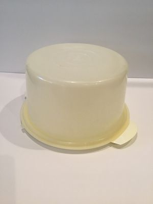 Vintage Eagle Superseal White Round Cake Plate for Sale in Horseshoe Beach, FL
