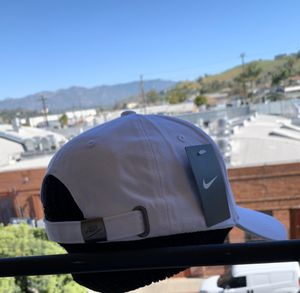 UNICEF ADJUSTABLE SPORTS SNAPBACK CAP / WHITE for Sale in Los Angeles, CA