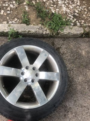 "20"" rims trailblazer 2 tires good for Sale in Dallas, TX"