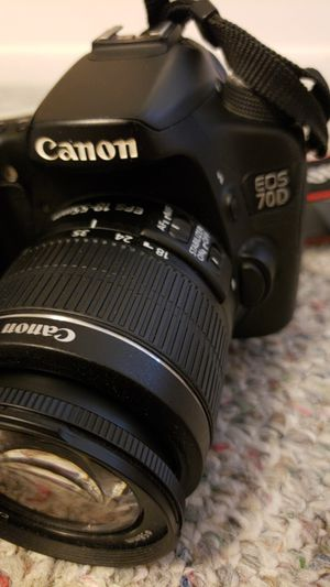 Cannon EOS 70D+lense & extras for Sale in Orlando, FL